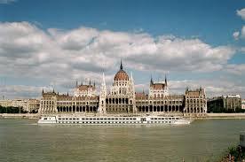 Rosja pożyczy Węgrom 10 miliardów euro