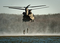 Maleją wydatki na wojsko