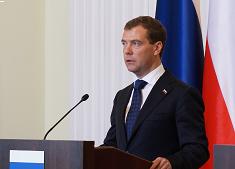 Miedwiediew: Rosja powinna zakazać amerykańskich produktów