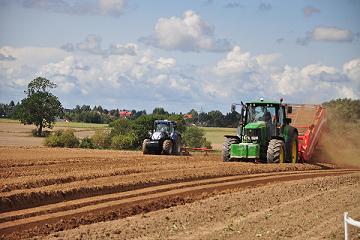 Powstaje największa fabryka traktorów od czasów ZSRR